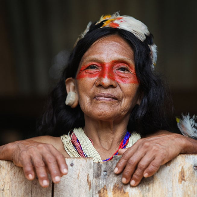 During your travel in Ecuador, meet amazonian people